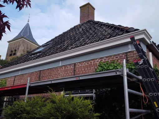 Vernieuwen dakgoten Easterein
